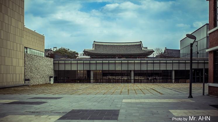 전통건축과 현대건축의 만남